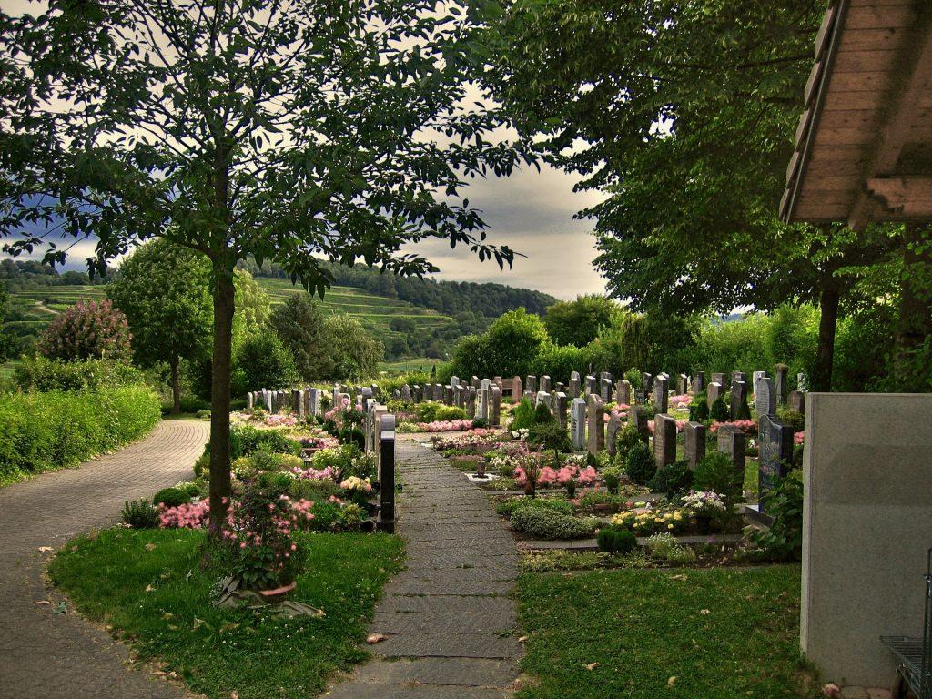 cemetery-230143_1920