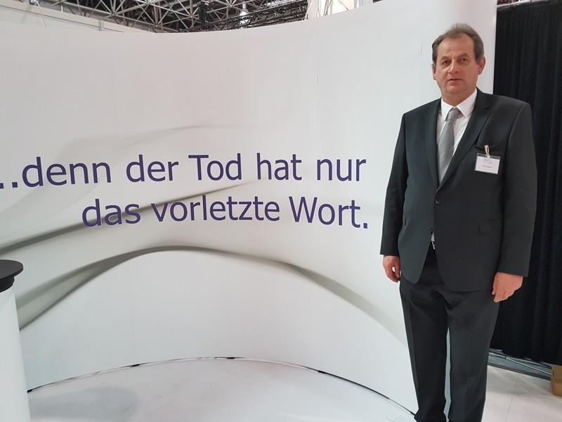 Trauerredner & Grabredner Bernd Rathert in Minden / Grabreden & Trauerreden