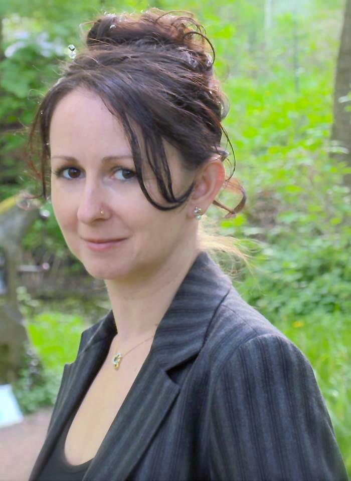 🥇 Freie Trauerrednerin Jasmin L. Wagenblaß in Wiesloch