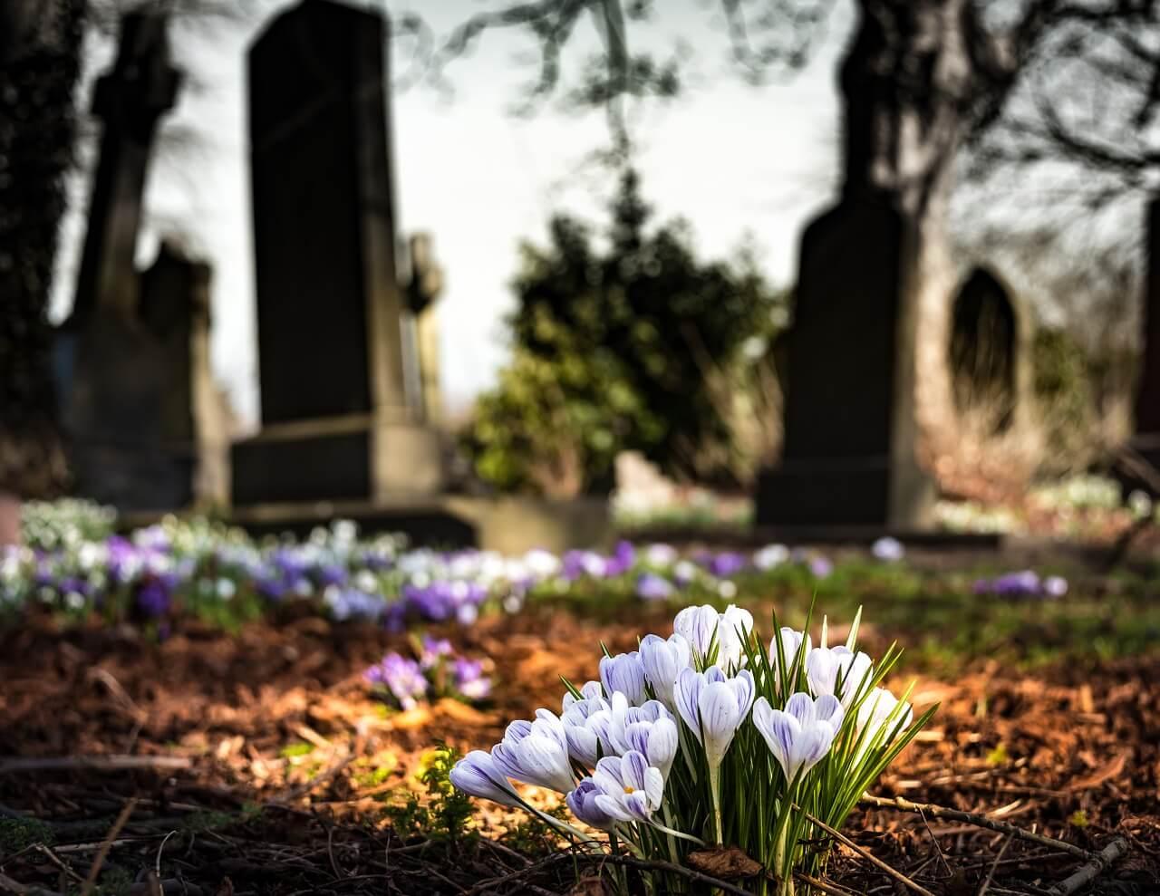graveyard-1417871_1280