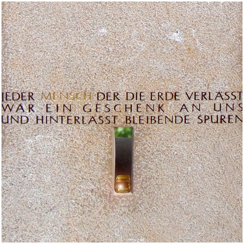 Grabsteinsprueche-Sinnspruch-Grabstein-Grabinschrift-Spuren07