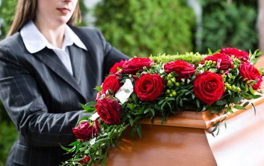Besondere Trauerfloristik online bestellen – Faire Preise inklusive Lieferung