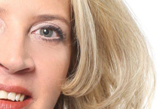 Trauersängerin Alexandra-Michaela Brecht / Trauermusik für die Beerdigung