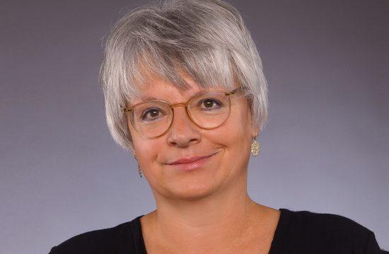 Eva Keller – forum8 / Trauerreden & Grabreden
