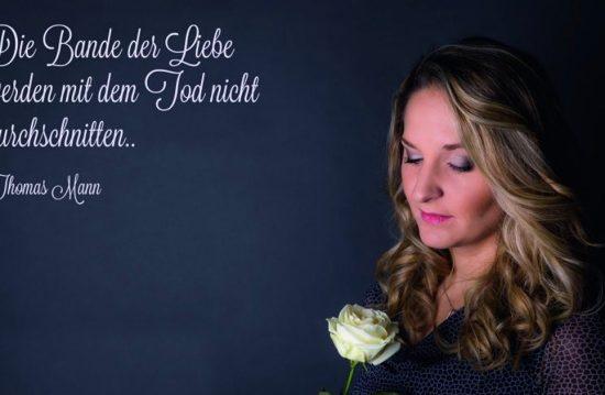 Carolin Rohrbach – Sängerin Lila (Trauermusik & Trauergesang)