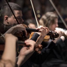 Eine Grafik zu Klassische Trauermusik mit Orchester & Orgel