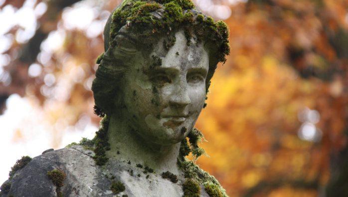 Marion Frühling – Trauerrednerin