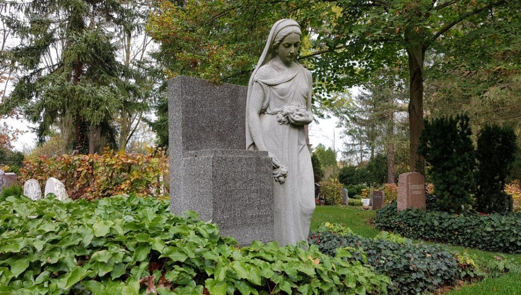 Der Friedhof Lehmbacher Weg in Köln-Brück
