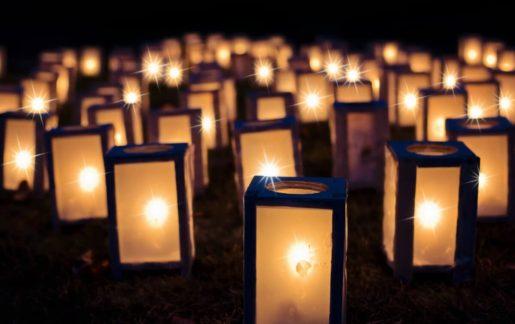 Totensonntag (Ewigkeitssonntag) 2021-2030 – Bedeutung & Bräuche im Überblick
